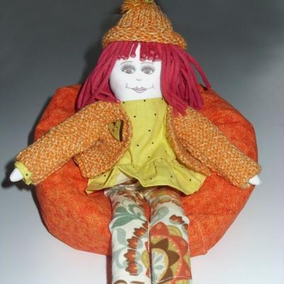 Fauteuil «bean bag» orange pour poupée Mélie