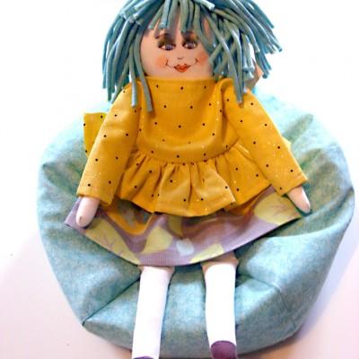 Fauteuil «bean bag» vert pour poupée Mélie