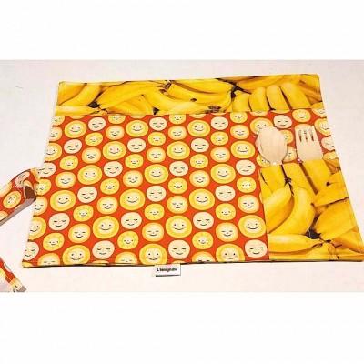 Napperon lunch pour enfant 10'' x 13'', lavable avec ustensiles de bois jetables. Motif de bananes et soleil
